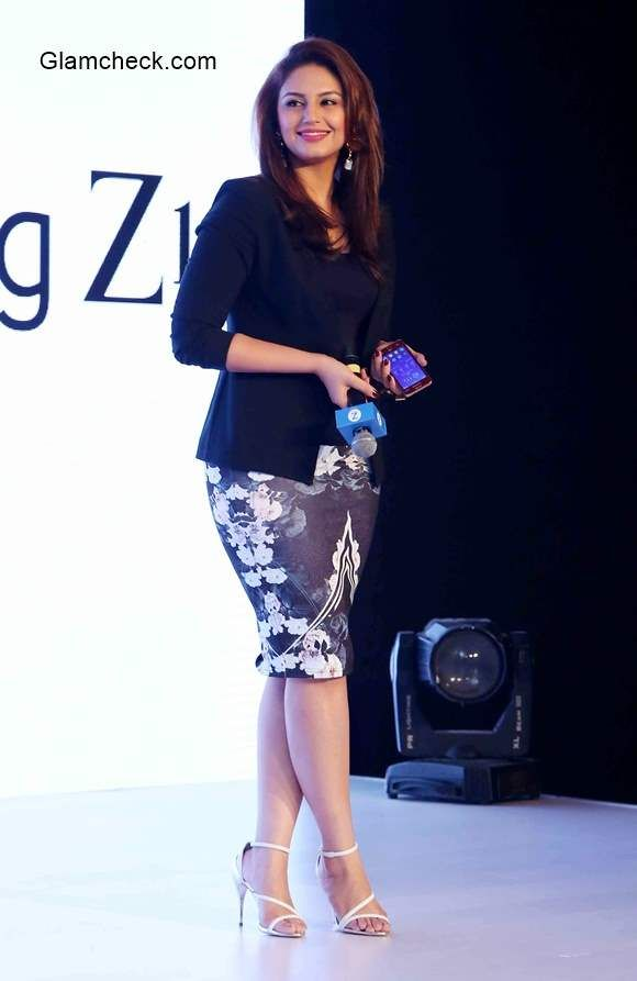 Huma Qureshi 2015 at Samsung Z1 Launch in India