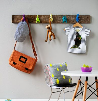 #DIY hooks from animal toys on wood