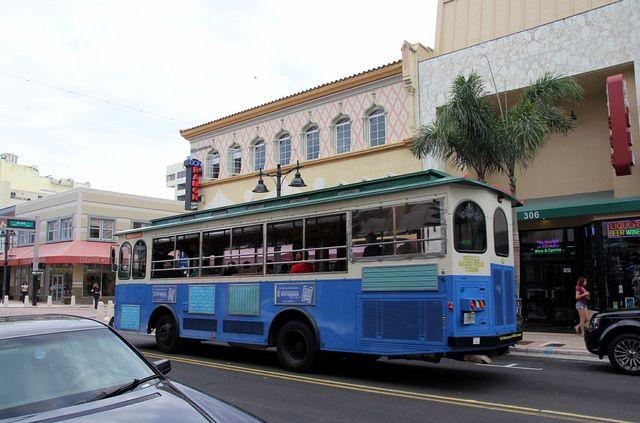 20130206_10 USA FL West Palm Beach Clematis Street