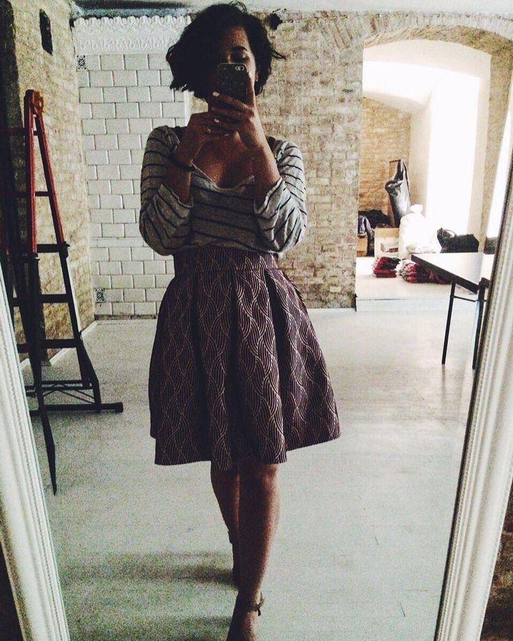 Доброго утра всем!!☕️Начало недели..💫понедельник!!☀️Хотим обрадовать🎈Вас новой юбкой Марии!!👸🏻Мы глаз👁не можем оторвать💥от этой прекрастности!!!✨💃 Кто ещё не влюбился💔 - самое время влюбляться ❤️в эту чудейснейшую юбченочку 😍 #юбкасолнце #одесса #vsco #godress #odessa
