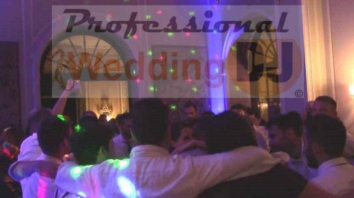 Festa di matrimonio con DJ a #villamuggia: divertimento con stile, con i DJ di http://professionalweddingdj.it/