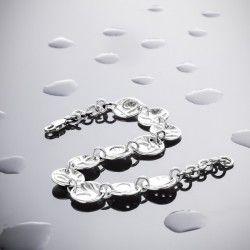 Pulsera UMAH Pulsera de plata forjada y relieve de textura lisa Acabado mate-brillo  Elaboro todas las joyas artesanalmente en mi taller, combinando plata con gemas naturales, en series limitadas y cuidando la sostenibilidad en todo el proceso.