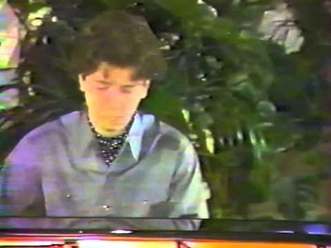 Stephane BLET performs LISZT, Paris 1987 - YouTube