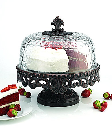 If I was organized and had a big kitchen, I would have a cake in this (store bought) at all times on top of my kitchen counter.UMMM make that a fake cake