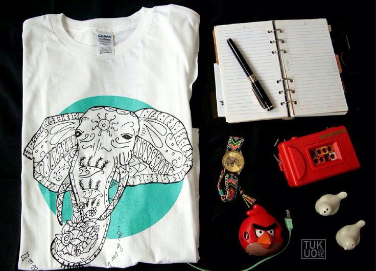 Kaos terbaru dari tukuo dengan nama dan gambar binatang.  Bahan Gildan Soft Style Size : S. M. L. XL. XXL Instagram : @tukuostore Order by line : tukuostore