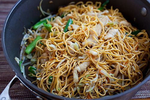 Chicken Chow Mein- this is on the menu for next week.  I love asian food and my dad loves noodles.  Yum, yum, and it's quick enough to whip up after work!