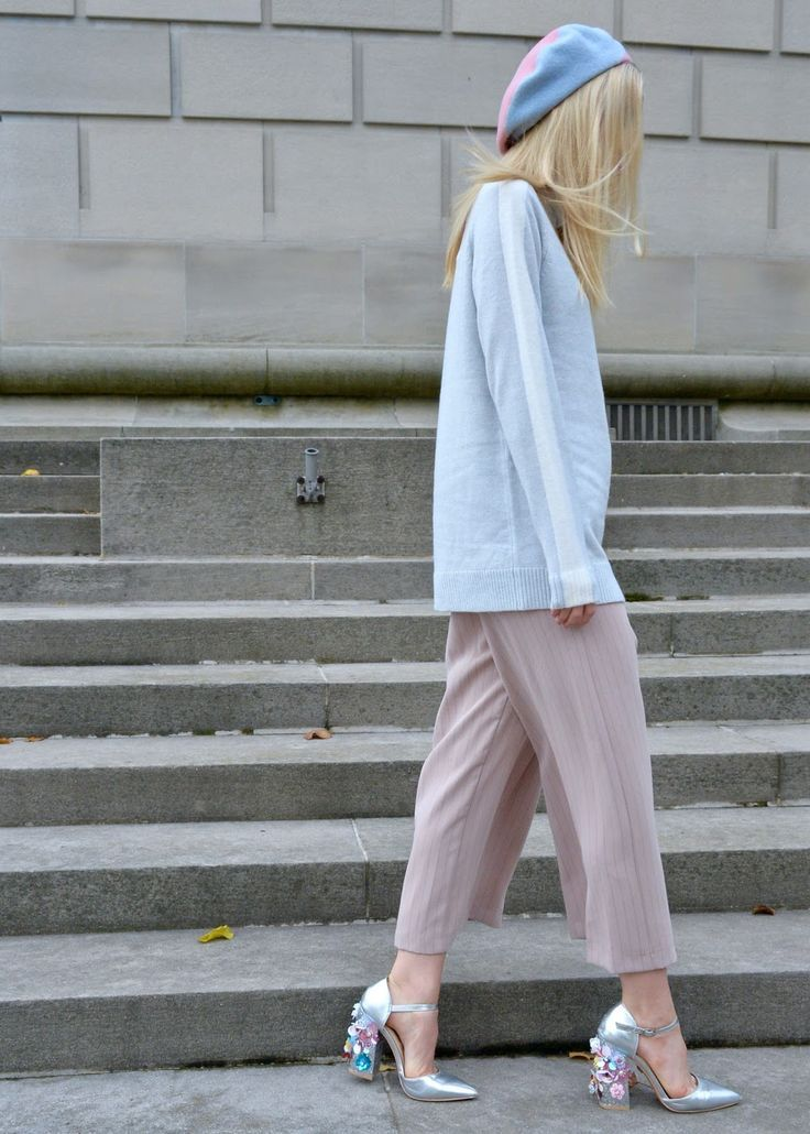 Chicago Fashion Destination.  Fashion Inspiration and Chicago Living for young millennials.... - Fall-Winter 2017 - 2018 Street Style Fashion Looks