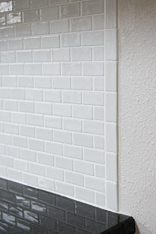 glass tile backsplash help ends ceramic tile advice forums - Install Ceramic Tile Backsplash