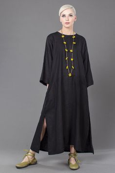 A-Line Dress in Black Roma