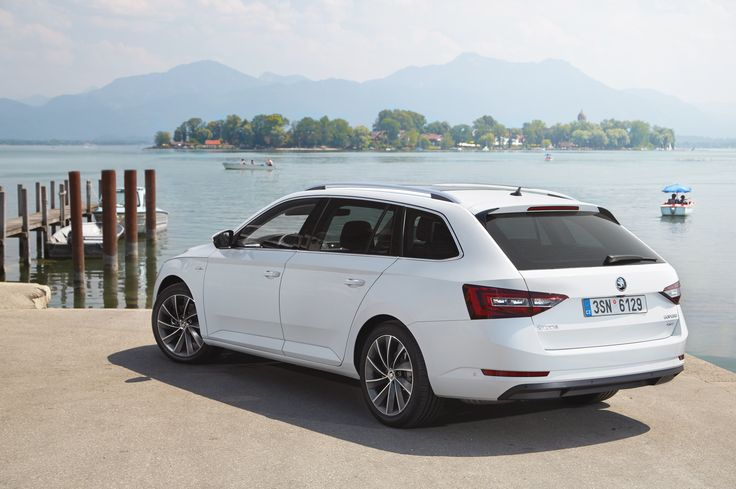 The new ŠKODA Superb Combi wows with a level of safety that has not previously been seen as standard for vehicles in this segment. The new model features Electronic Stability Control including Multi-Collision Brake as standard #newsuperbcombi #skoda