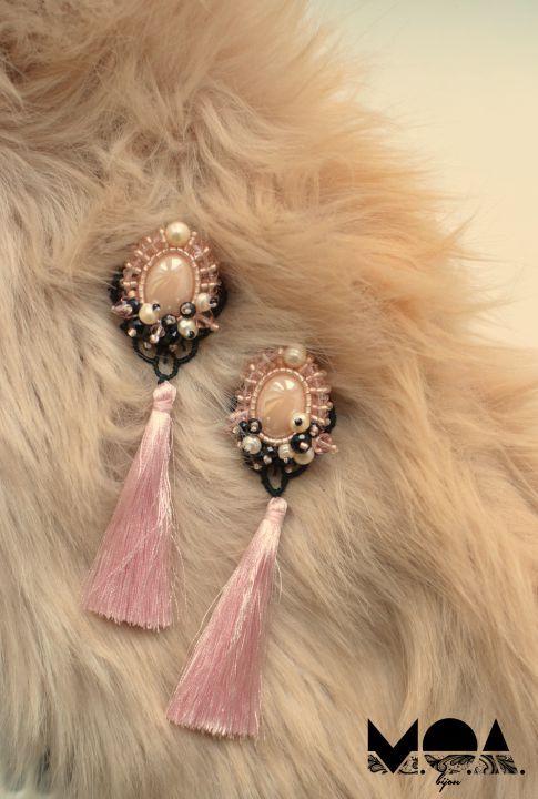 65 LEI   Cercei handmade   Cumpara online cu livrare nationala, din Oradea. Mai multe Bijuterii in magazinul MOA.Bijoux pe Breslo.