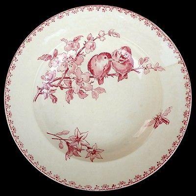 Assiette cr FAVORI rouge Sarreguemines Digoin 19e oiseaux insecte antique plate