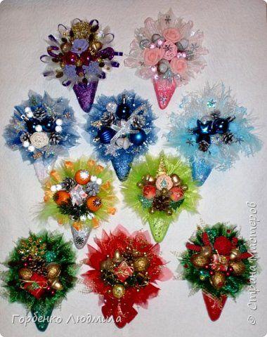 Добрый день,Страна! Вот и я начала подготовку к Новому году!Представляю на ваш суд новогодние магниты! Своё вдохновение нашла у Жжанет http://stranamasterov.ru/node/970405 ,большое спасибо за идею! Основа картон+масса папье-маше,краска и разноцветная присыпка,лак;декор всевозможный! фото 1