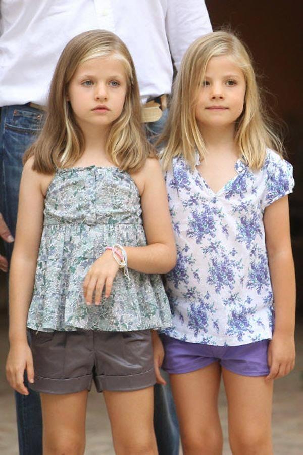 Los 12 Años De La Princesa Leonor En Imágenes Vestidos Para Niñas Leonor De Borbón Ropa Para Niñas
