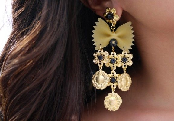 DIY Dolce and Gabbana Earrings and More! [PHOTOS]: Diy Dolce, Craft, Gabbana Pasta, Diy'S, Pasta Earrings, Dolce & Gabbana, Jewelry, Dolce And Gabbana