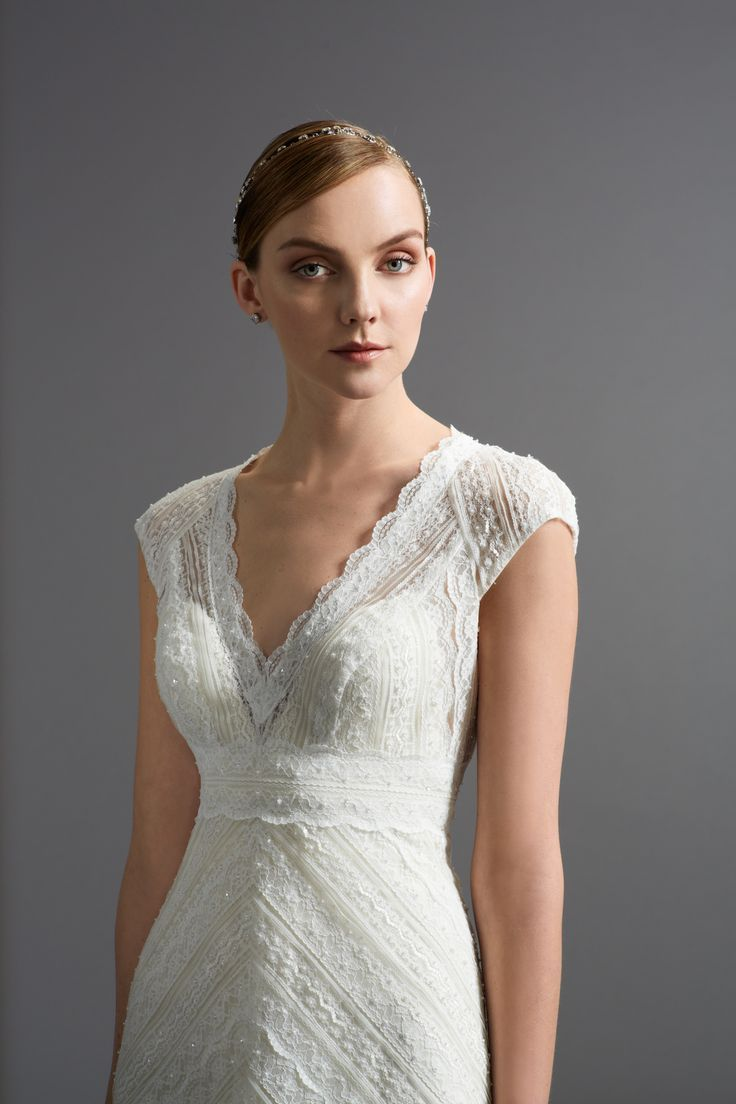 Wedding dresses for fuller figures with sleeves  The  best images about Güzel giysiler on Pinterest