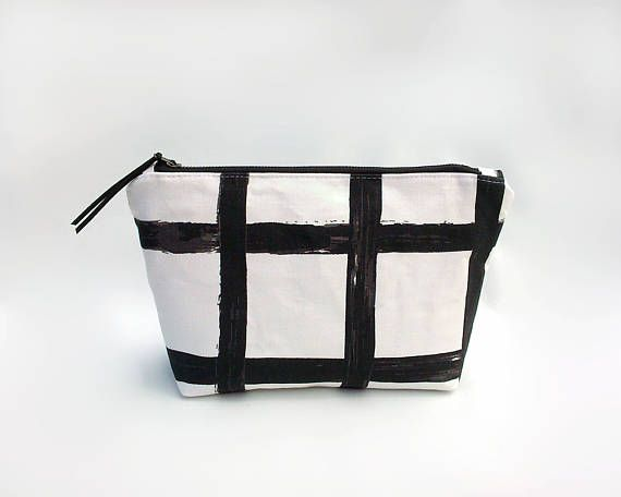 Minimalist makeup bag / Waterproof travel pouch / Large cosmetic bag / Black and white make up bag / Trousse / Toiletry bag / Makeup pouch