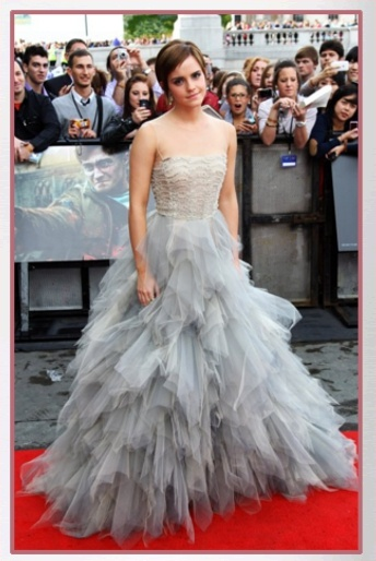 """Buy it: Emma Watson's Embroidered Tulle Gown (""""Harry Potter and the Deathly Hallows – Part 2″ Premiere): Photos Galleries, Death Hallows, Emma Watson, Gorgeous Gowns, Red Carpets, Celebrity Dresses, So Pretty, Harry Potter, Oscars"""