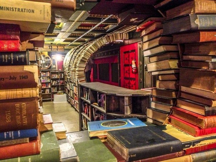 The Last Bookstore. I need this in my life. Right now. ❤️