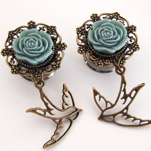 These are the most girly and cute plugs ever!