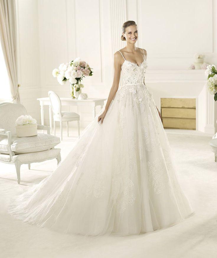 Pronovias vous présente la robe de mariée Dione. Elie by Elie Saab 2013. | Pronovias