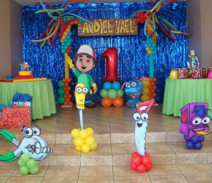 Handy manny balloon decorations pinterest birthdays for Handy manny decorations