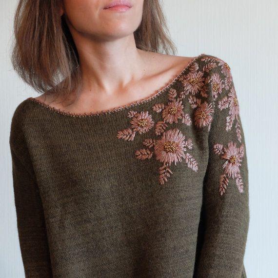 Hand embroidery sweater. Apaca sweater. Sweater khaki green. Long sleeves. Flowers sweater.