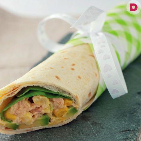 Рецепт универсальной закуски на любой случай. Приготовьте <br /> рулет для фуршета или возьмите с собой на пикник!
