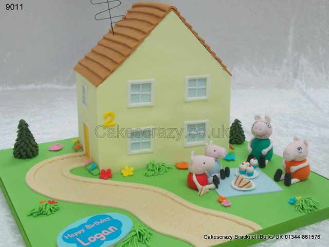 Peppa Pig House and Picnic Cake http://www.cakescrazy.co.uk/details/peppa-pig-house-and-garden-picnic-cake-9011.html