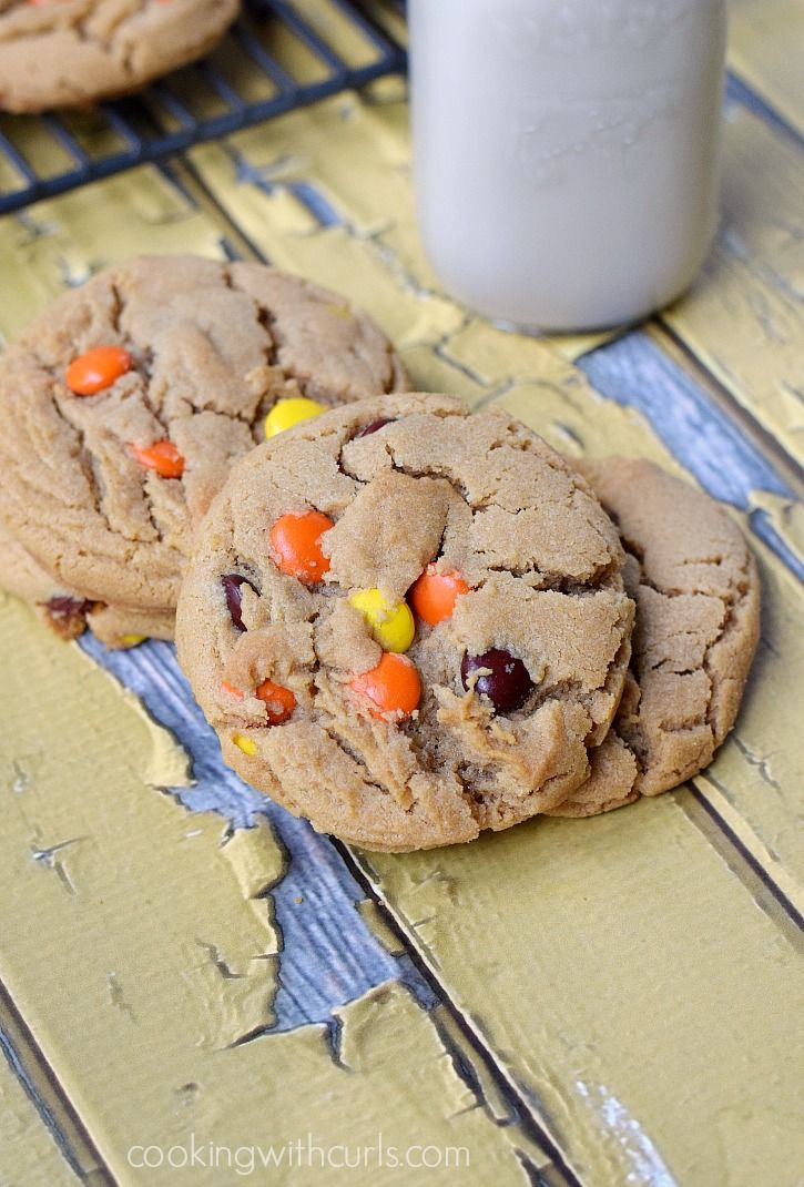 The Best Peanut Butter Cookies with Reese's Pieces | cookingwithcurls.com
