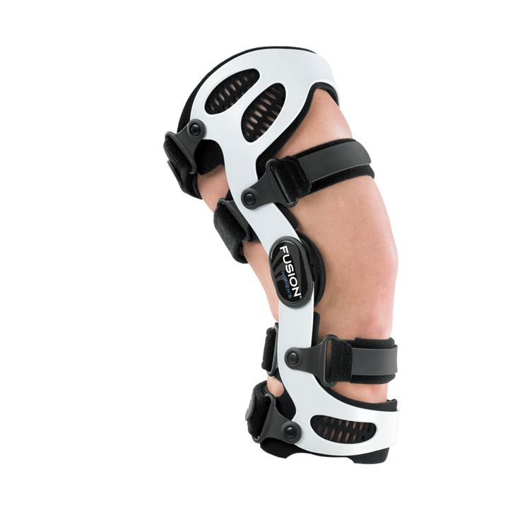 how to put on a breg knee brace