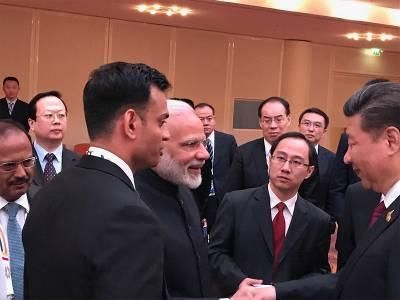 Amid India-China border standoff, Modi and Xi meet in Hamburg, have 'conversation on a range of issues' | India News - Times of India