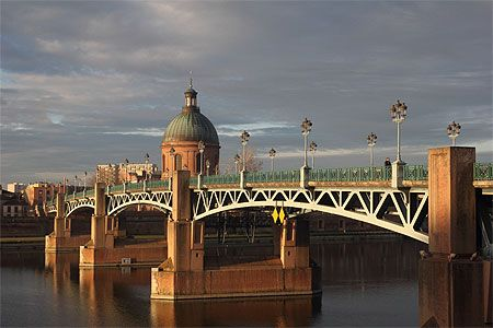 Toulouse - Rives de la Garonne - Pont Saint-Pierre France