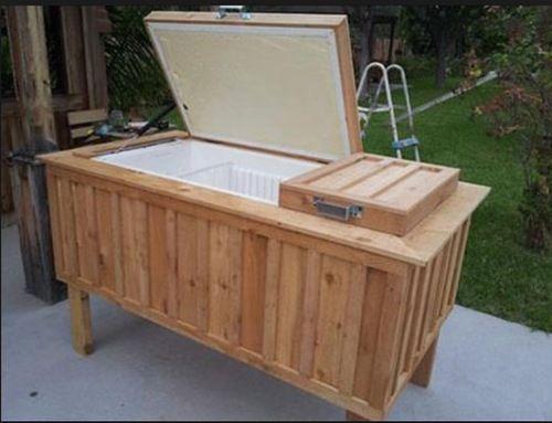 """Gran idea: Convierte un refrigerador viejo en un súper """"cooler"""" para el jardín"""