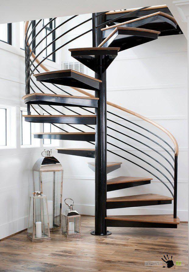 Деревянные винтовые лестницы из массива