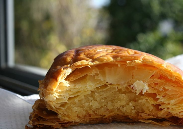 Galette des Rois/Almond Pie/ Αμυγδαλόπιτα (η Γαλλική βασιλόπιτα)