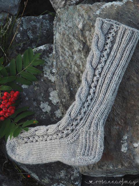 Neljäs villasukkavaihto ja sukkien lähetyksen aika lähestyy! Takaraja sukkien lähettämiseen on tämän kuun viimeinen päivä. Minun sukat ...