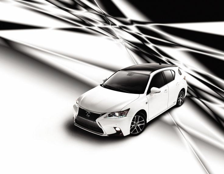 전기 모터의 힘으로 약 40km/h까지 가속이 가능한, 성능과 친환경이라는 모순된 조건을 만족시키는 THE NEW CT 200h.   Lexus i-Magazine Ver.4 앱 다운로드 ▶ www.lexus.co.kr/magazine  #Lexus #Magazine #THENEWCT200h #CT200h #hybrid