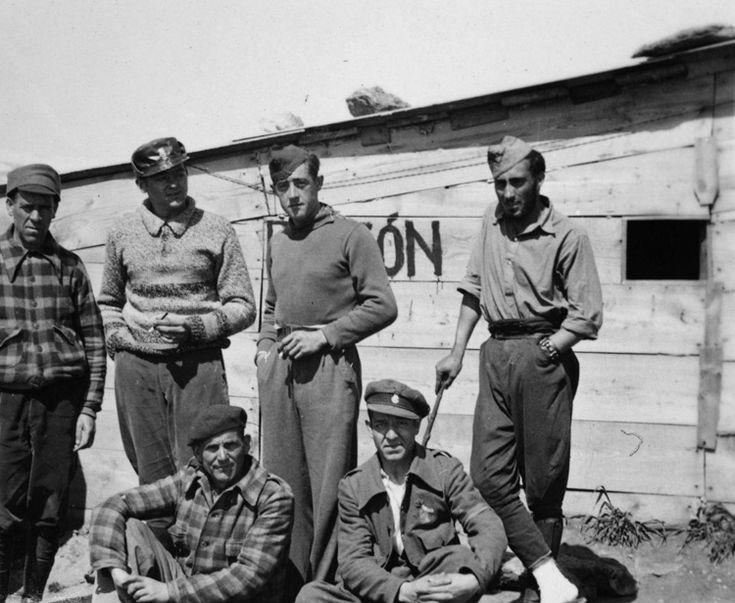 Soldados en el Frente de Somosierra. Elisa Velasco Orensanz 1937 - Archivo fotográfico de la Comunidad de Madrid