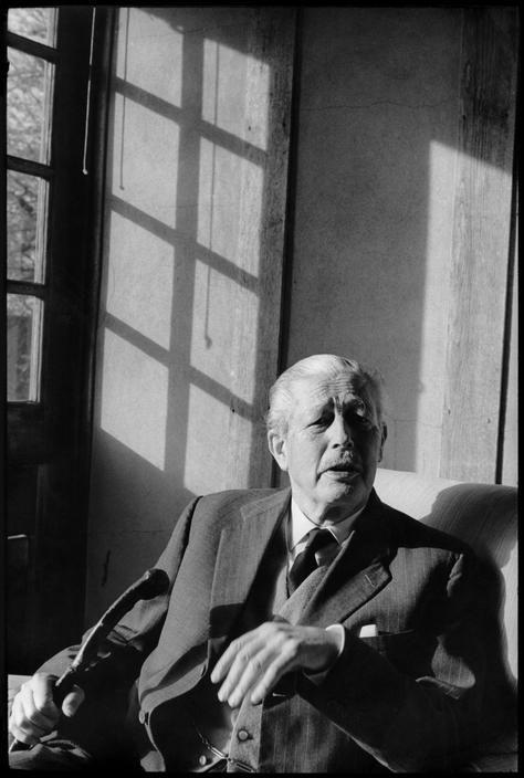 Henri Cartier-Bresson //  Personalities  -  Harold MACMILLAN, former British Prime Minister. 1967.