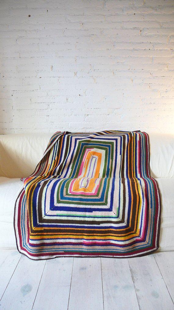 Vintage crocheted blanket  colors por lacasadecoto en Etsy, €48.00