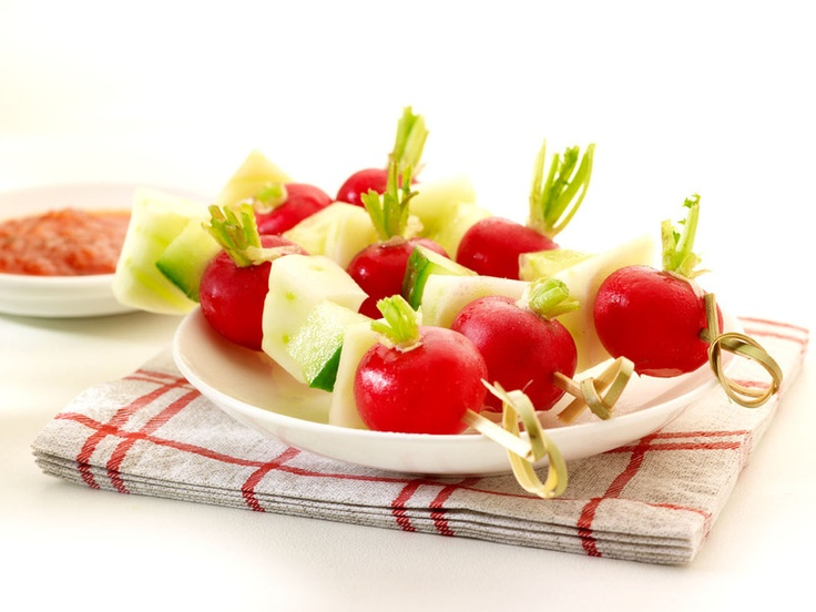 Groenten met een dipsaus van tomaat