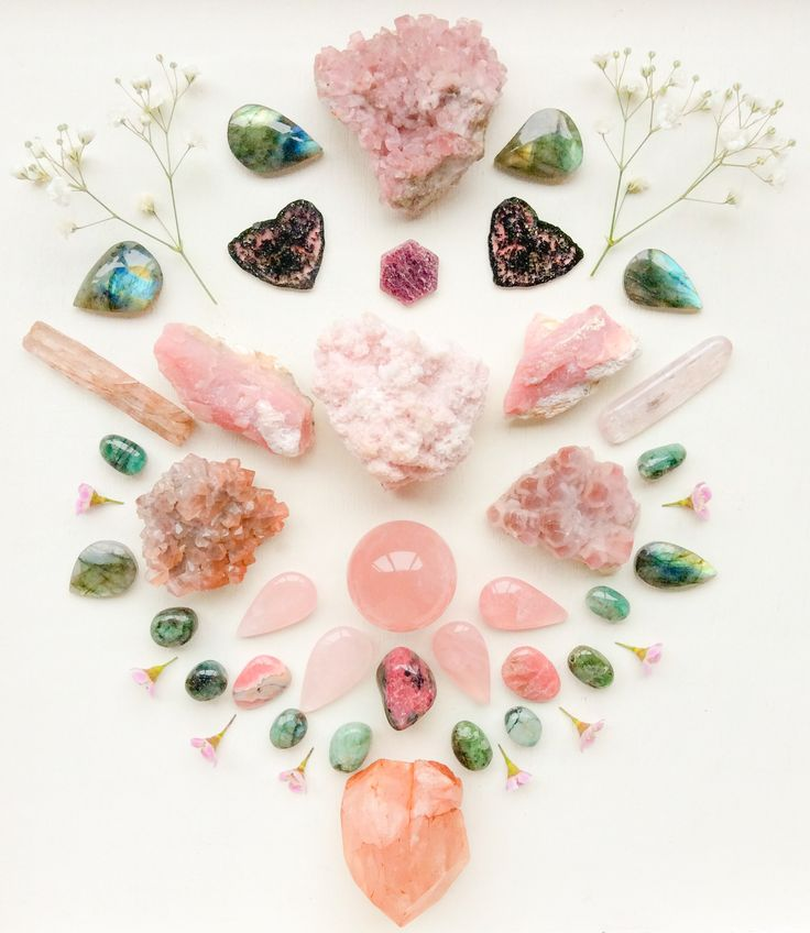 Love Crystal Grid by Woodlights Woudlicht