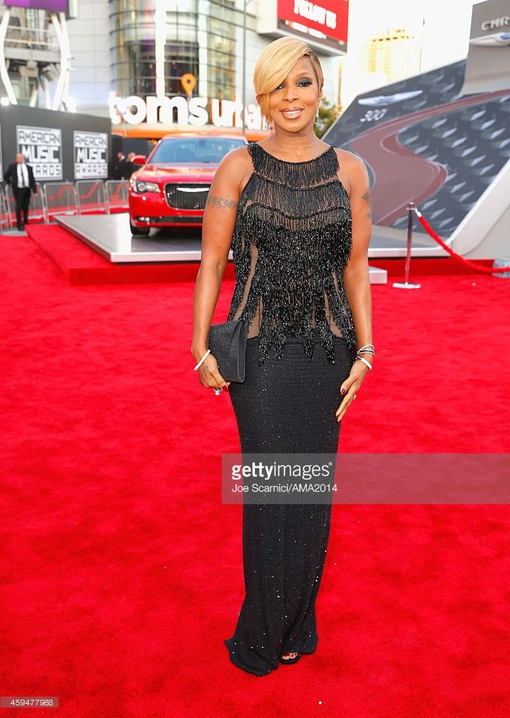 Singer Mary J. Blige attends the 2014 American Music Awards red carpet arrivals featuring the All-New Chrysler 300S at Nokia Theatre L.A. Live on November 23, 2014 in Los Angeles, California.