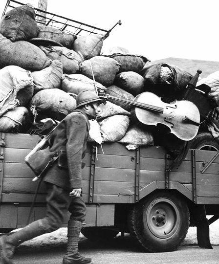 Robert Doisneau // France, The war in May/June, 1940.