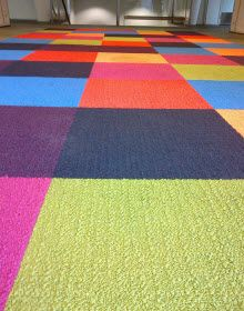 not street art, but, this optical illusion carpet, spotted in a Paris video