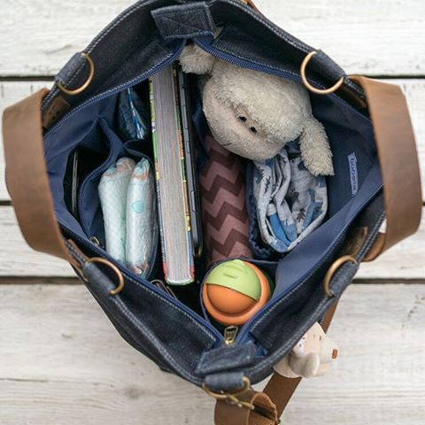 Let's go to the playground. #bag #diaperbag #convertiblebag #bunny #sunglasses #denimbag #waxeddenimbag #waxedcanvas #waxed #baby #mommy #mom #etsy #dawanda #backpack #shoulderbag #handbag #playground