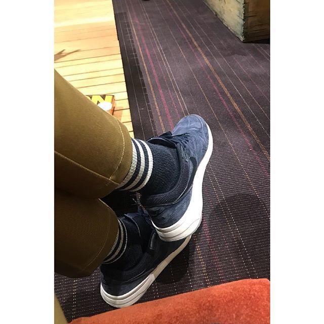 2018/03/10 21:11:36 hokku825 初めまして! よろしくお願い致します(^。^) とにかく、靴が好きです👞 スニーカーも好きです👟  #ファッション好き #おしゃれ好き #スニーカー好き #靴好き #旅行好き #旅行好きな人と繋がりたい #写真好き #ビール好き #ハワイ好き #甥っ子大好き #お酒好きな人と繋がりたい #ワイン好き #オールデン #alden #コードバン #hawaii #靴好きな人と繋がりたい #ハワイ好きな人と繋がりたい #レザーソール #ワイキキ #差し色 #靴下コーデ #ナイキスニーカー #ネイビーカラー #初めまして #よろしくお願いします #