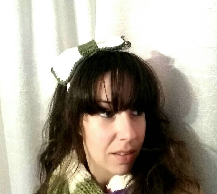 Crochet white headband with big bow / one size / free shipping for European Union by KaterinakiJewelry on Etsy