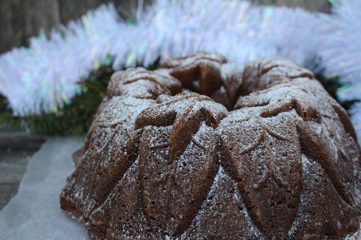 Ihanan maukas ja pehmoinen kakku, joka vanhetessa vain paranee. Perinteinen piimäkakku mummon reseptivihkosta, ...